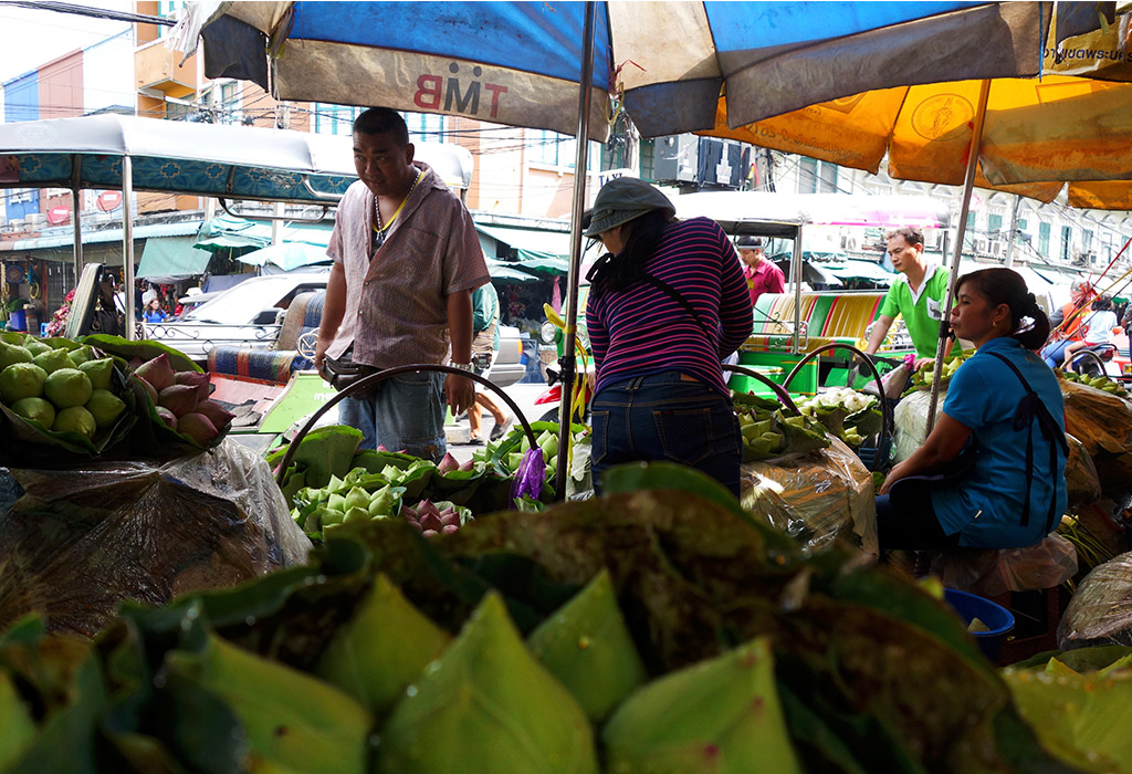 starting-with-a-bangkok-flowermarket