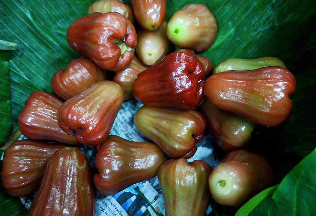 starting-with-a-bangkok-reclining-flower-markets