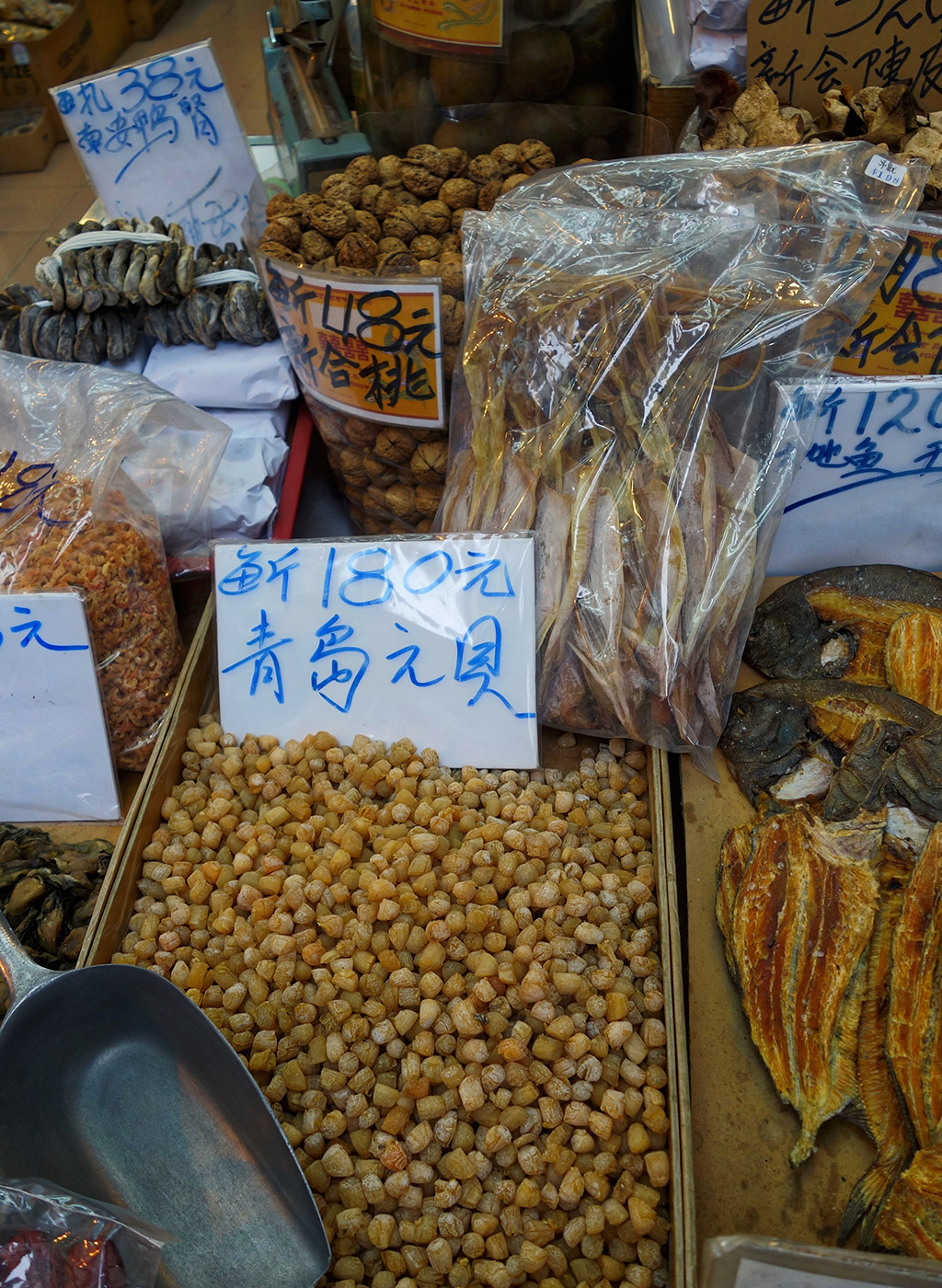 starting-with-a-seafood-street-hong-kong-17