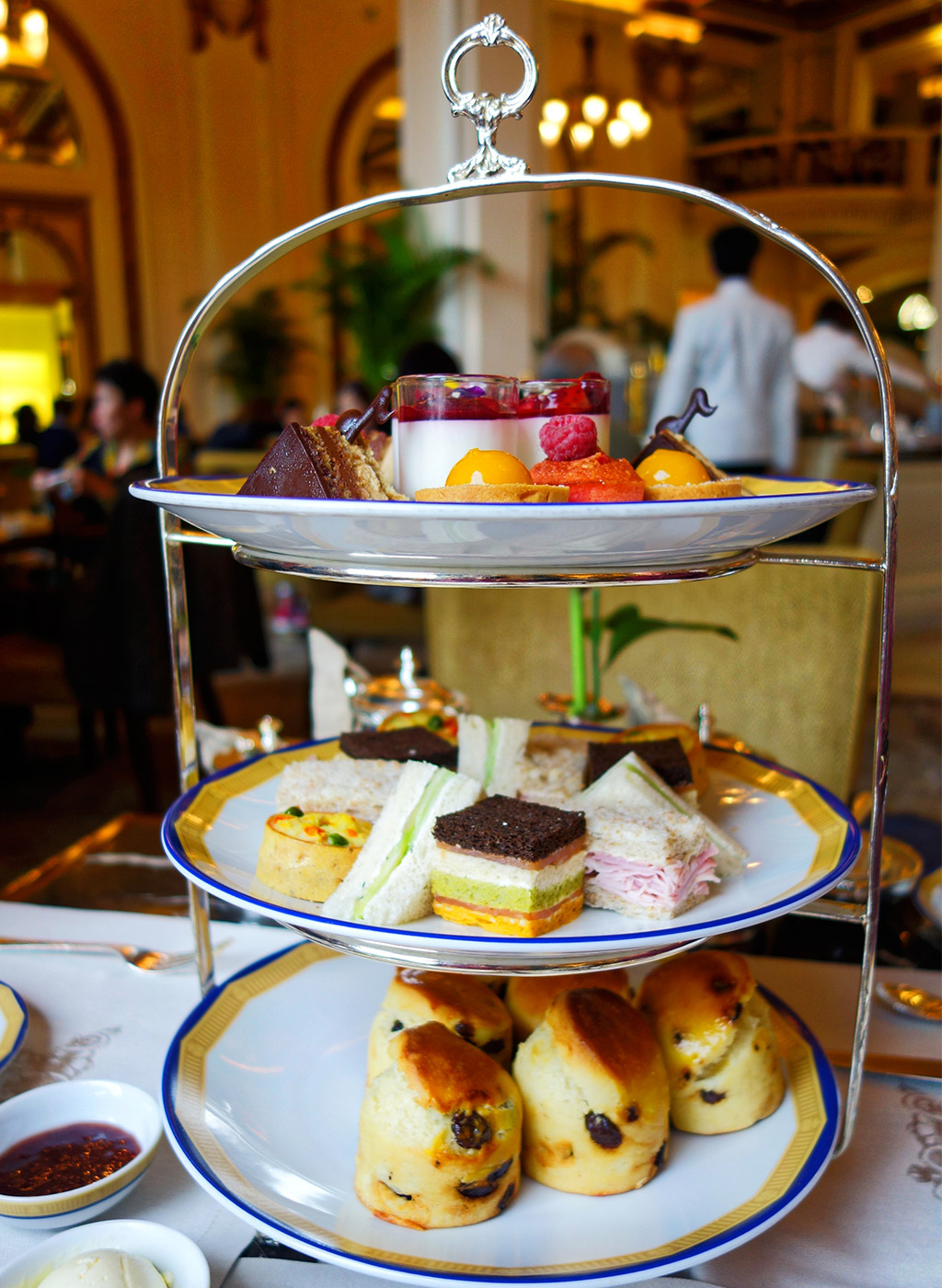 starting-with-a-the-peninsula-high-tea-11