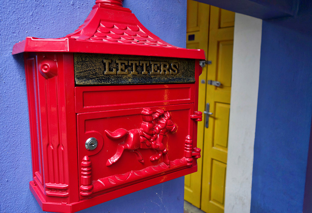 starting-with-a-singapore-haji-lane-post-box