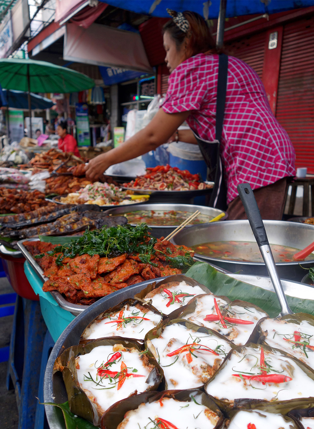 chiang-mai-thailand-sunday-night-market-2
