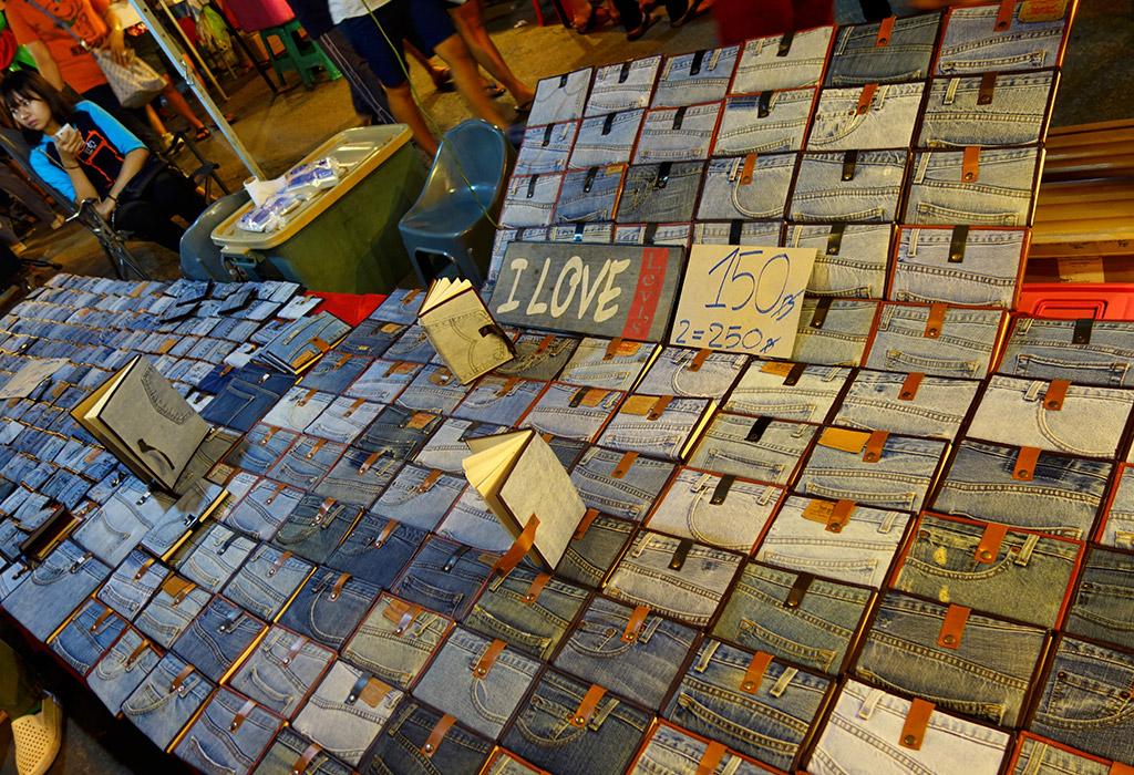 chiang-mai-thailand-sunday-night-market-3