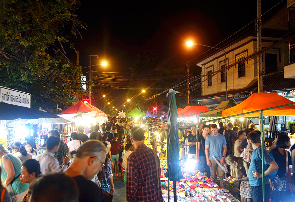 chiang-mai-thailand-sunday-night-market-4