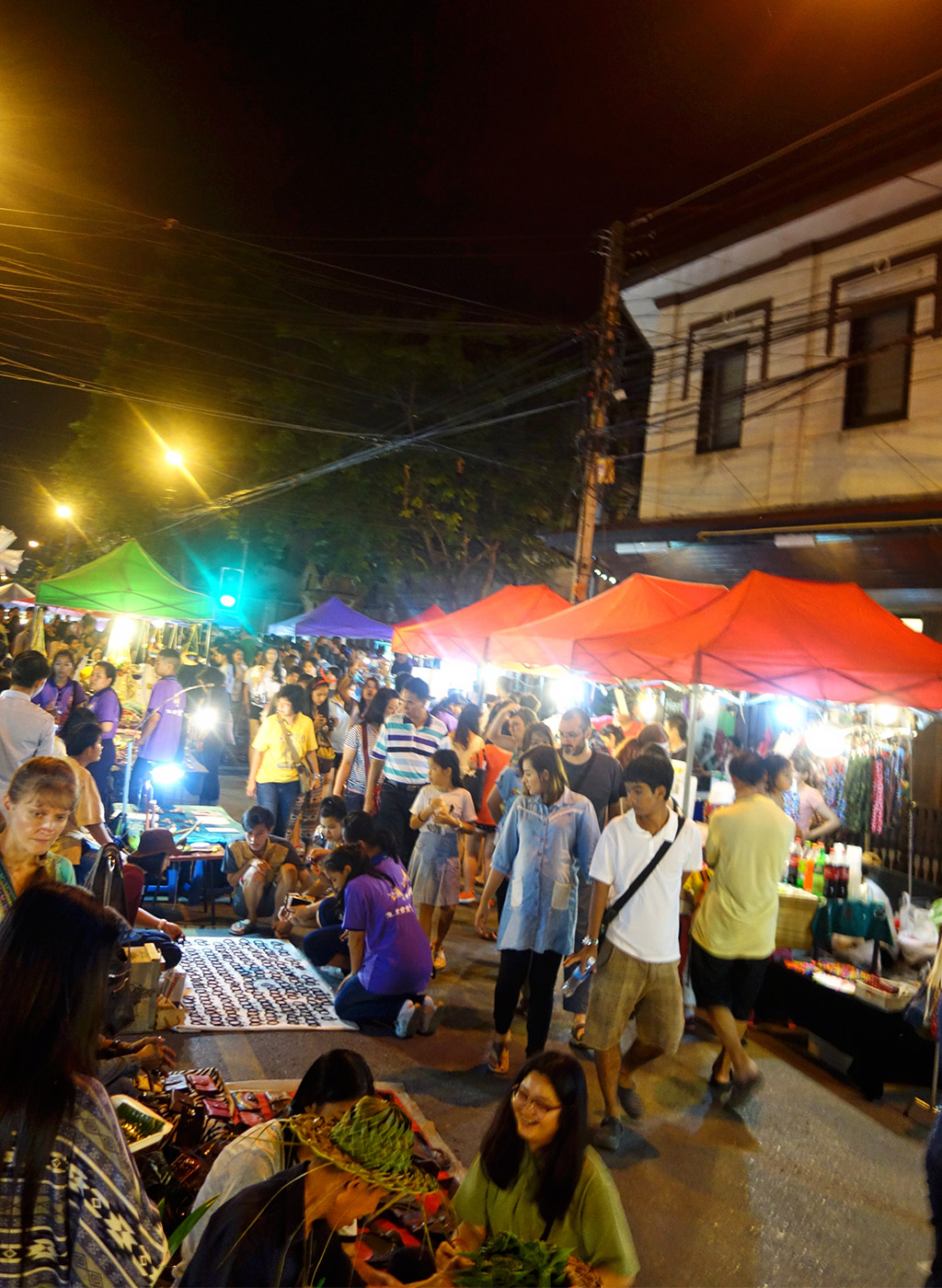 chiang-mai-thailand-sunday-night-market