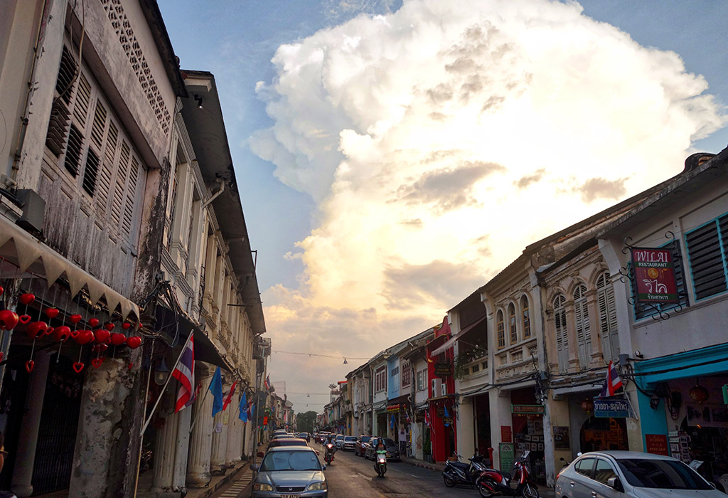 phuket-old-town-sino-portugese-houses-9