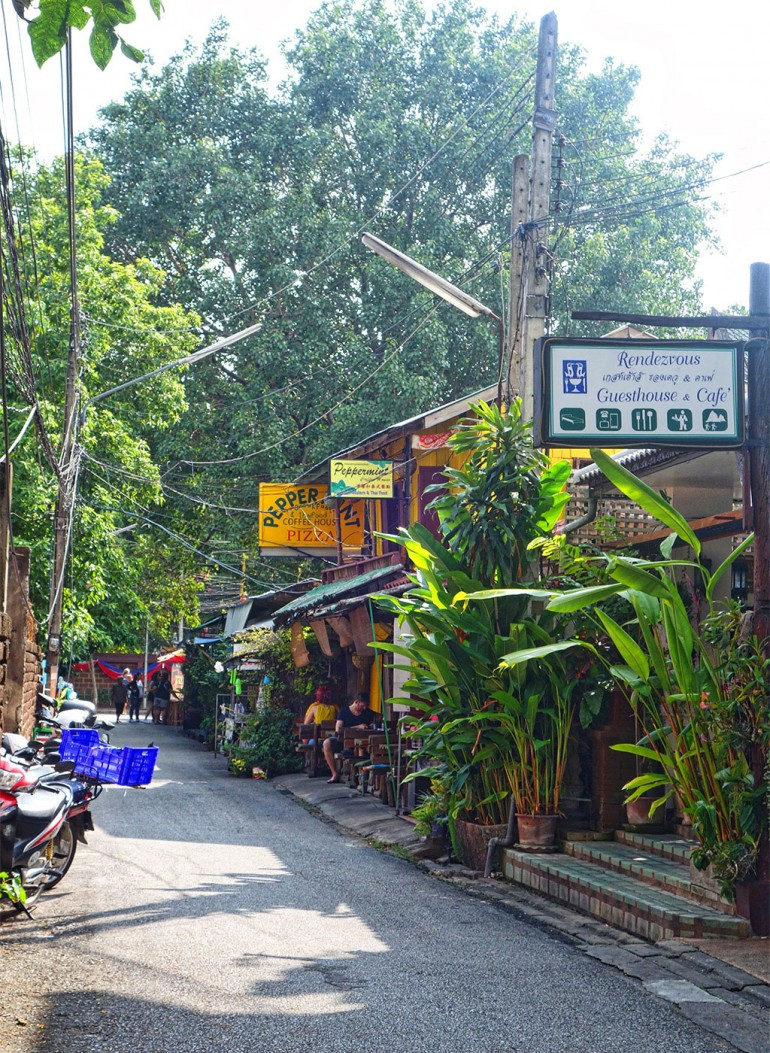 chiang-mai-thailand-sois-old-town-7