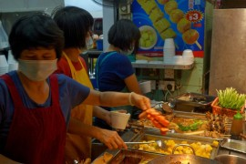 hong-kong-food-tour-starting-with-a-blog-44-870x1189