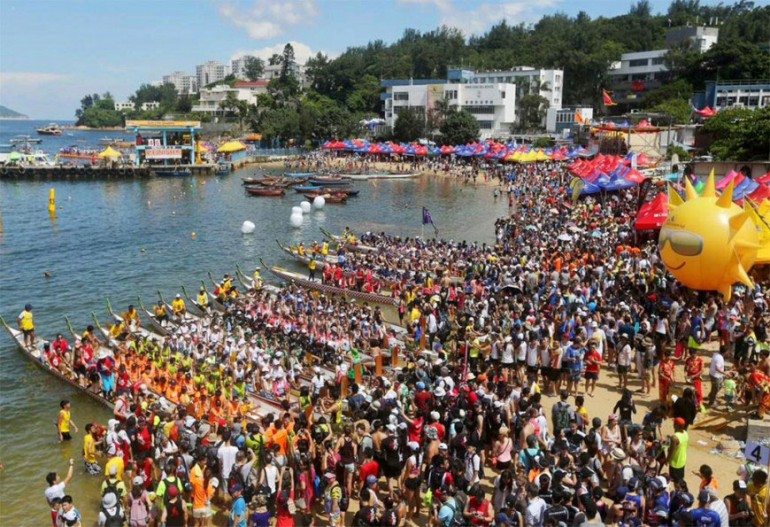 stanley-dragon-boat-carnival-hong-kong-starting-with-a-870x595